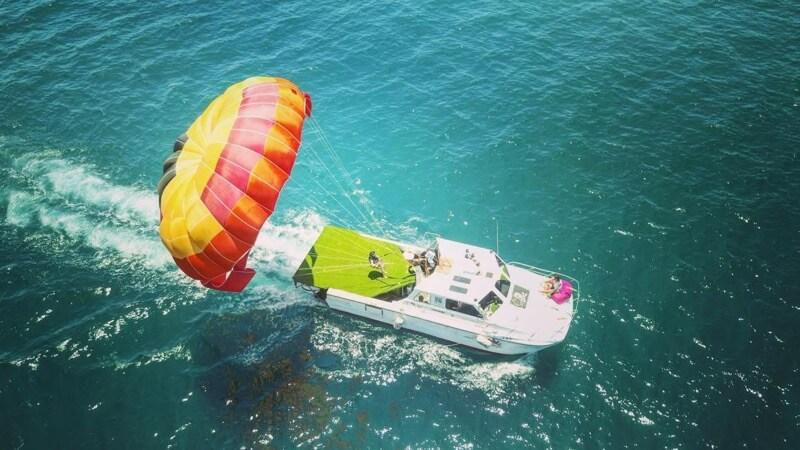 【日本語OK】離島リゾートの海でパラセーリング体験:台湾・澎湖(ポンフー)